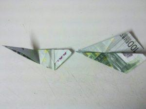 Origami: Ente aus Geldschein falten - Schritt 5
