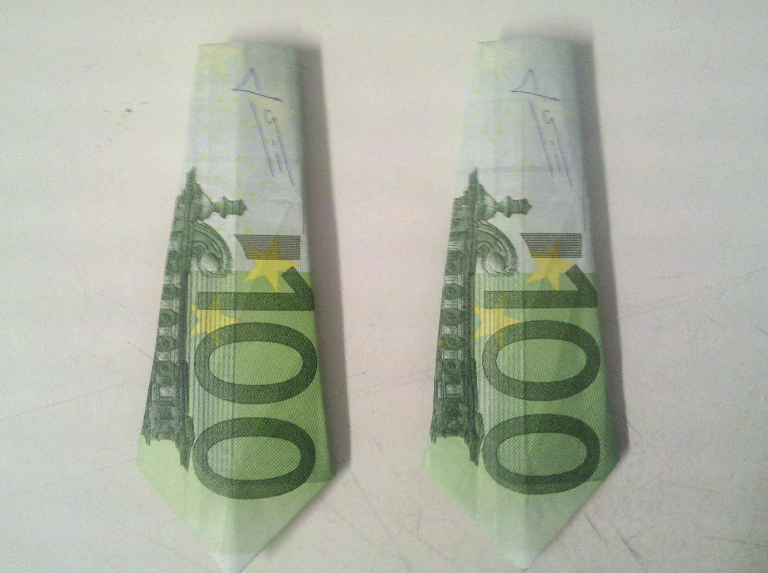 Krawatte aus Geldschein falten