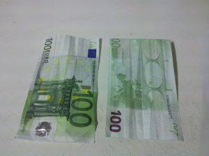 Origami-Sonne aus Geldschein falten - Schritt 1