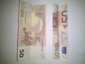 Origami: Zahl 1 aus Geldschein falten - Schritt 2