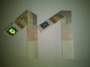 Origami: Zahl 1 aus Geldschein falten - Schritt 3