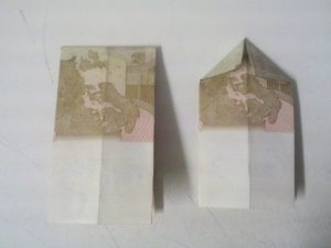 Origami: Zahl 3 aus Geldschein falten - Schritt 4