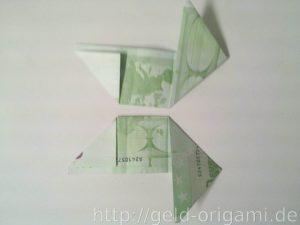 Anleitung: Origami-Stern aus Geldscheinen falten - Schritt 5