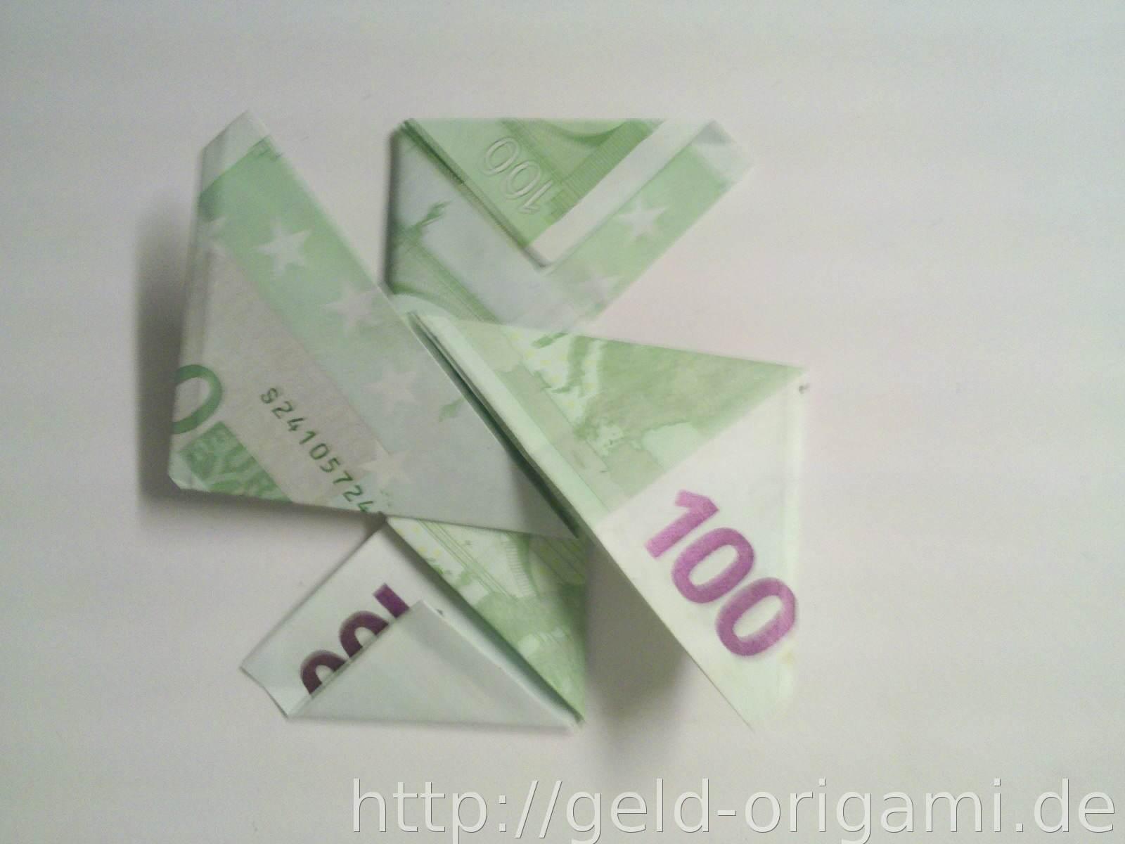 stern aus zwei geldscheinen falten origami mit geldscheinen. Black Bedroom Furniture Sets. Home Design Ideas
