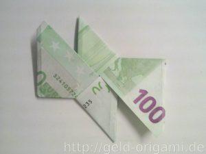 Anleitung: Origami-Stern aus Geldscheinen falten - Schritt 9