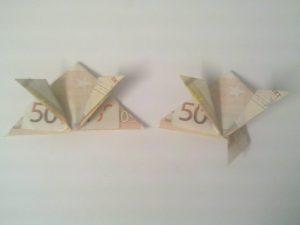 Origami Frosch aus Geldscheinen falten: Schritt 6