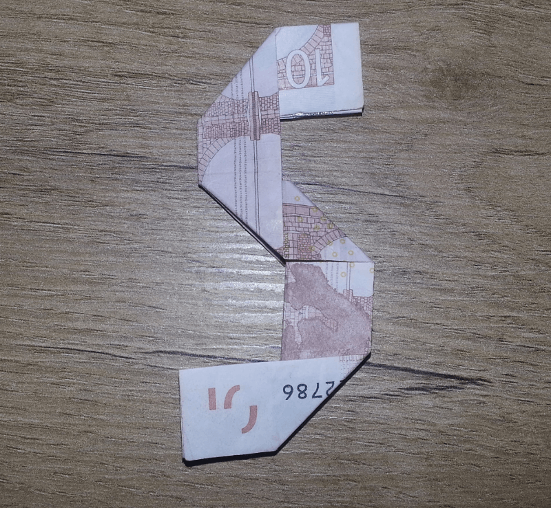 This is how an 5 looks folded out of a banknote