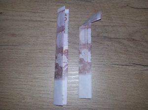 Zahl 5 aus einem Geldschein falten - Schritt 2