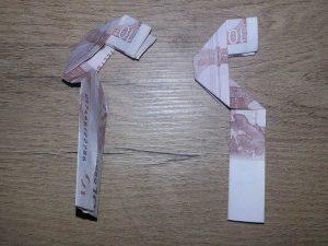 Zahl 5 aus einem Geldschein falten - Schritt 8