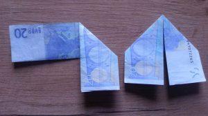 Hase aus Geldschein falten - Schritt 3