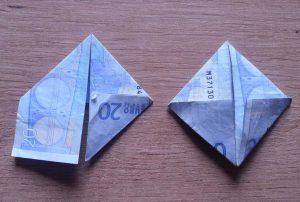 Hase aus Geldschein falten - Schritt 4
