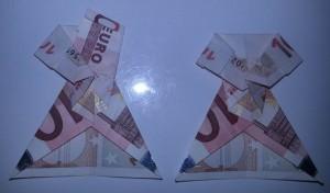 Kleid aus einem Geldschein falten - Schritt 10