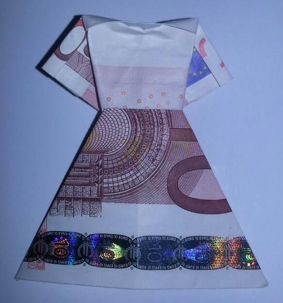 Geld-Kleid aus einem Geldschein gefaltet