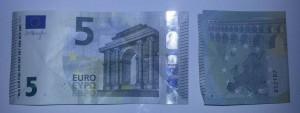 Kleeblatt aus Geld falten - Schritt 1