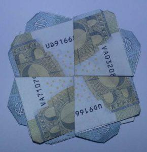 Shamrock z pieniędzy