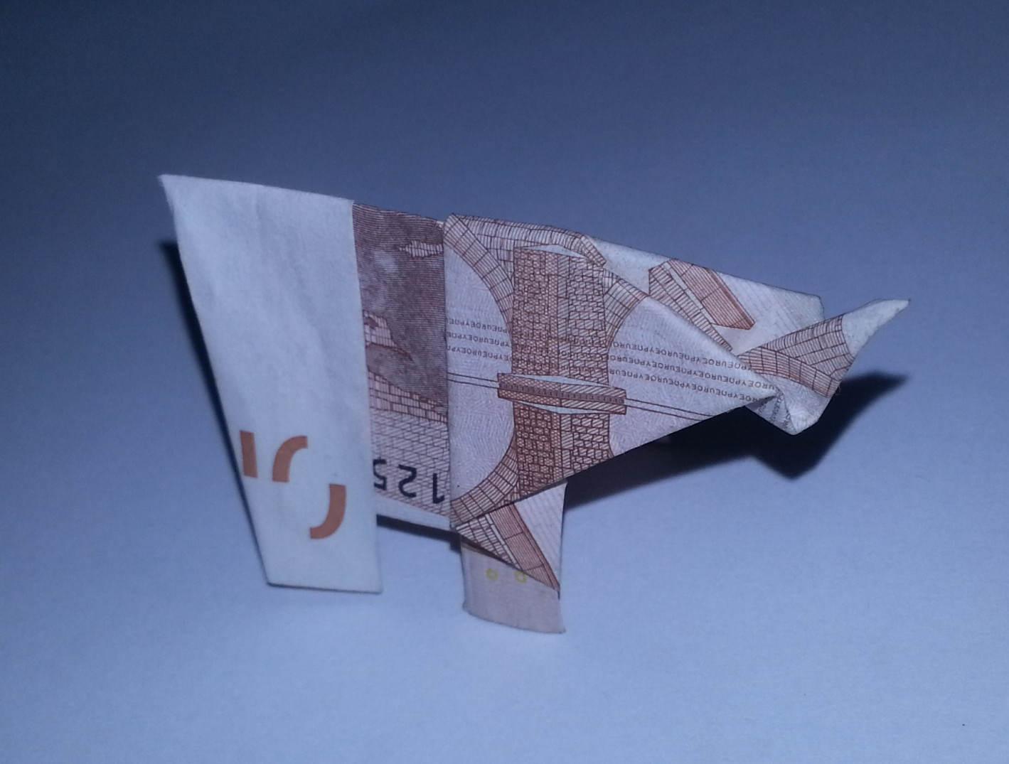 elefant aus einem geldschein falten origami mit geldscheinen. Black Bedroom Furniture Sets. Home Design Ideas