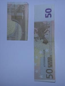 Stiefel-aus-Geldschein-falten-Schritt-2