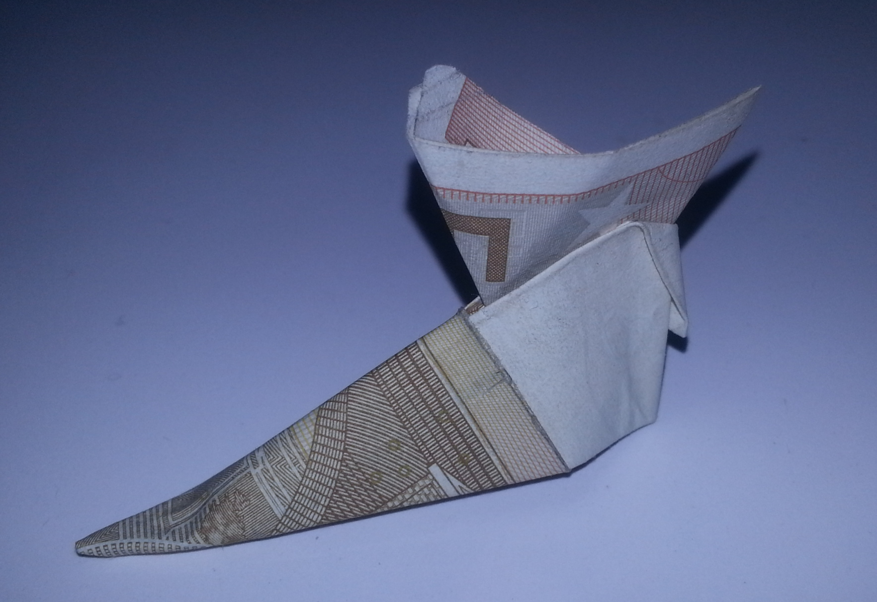 Folding boots from a banknote