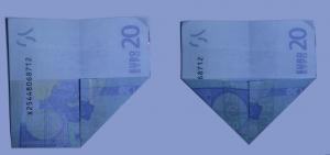 Schiff aus einem Geldschein falten: Schritt 3