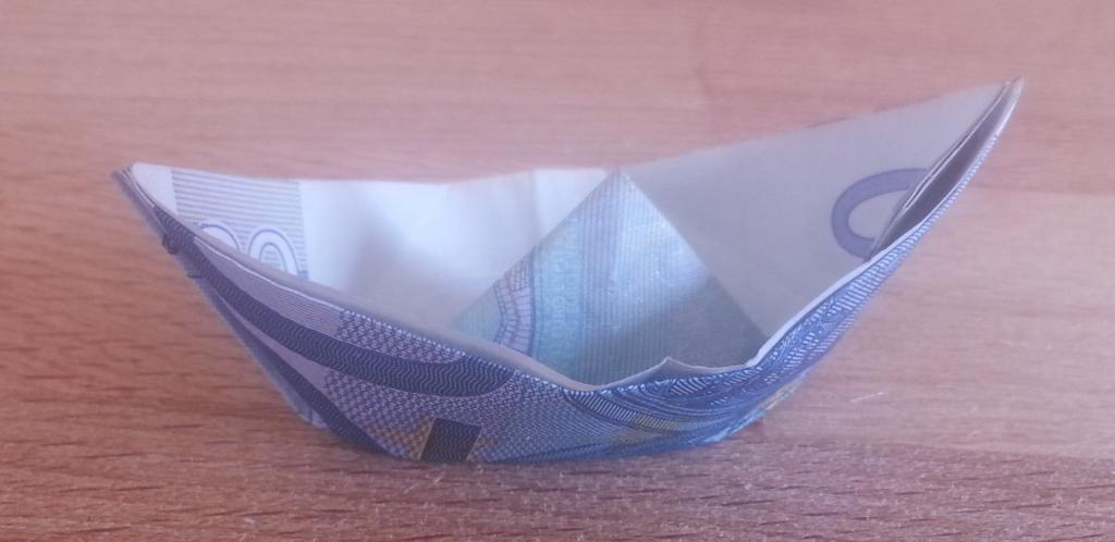 schiff aus einem geldschein falten origami mit geldscheinen. Black Bedroom Furniture Sets. Home Design Ideas