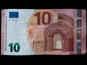 Bild: Zahl 4 aus einem Geldschein falten - Schritt 1