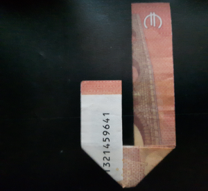 Picture: Folding number 4 from a bill - step 7