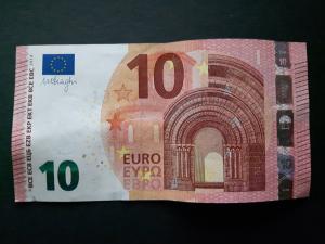Bild: Zahl 7 aus einem Geldschein falten - Schritt 1
