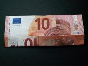 Bild: Zahl 7 aus einem Geldschein falten - Schritt 3