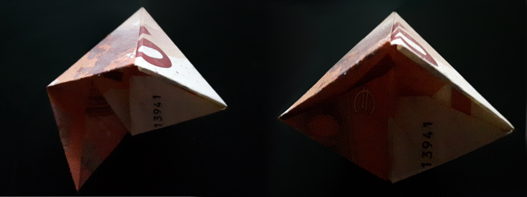 Pirámide plegable de un billete - paso 19