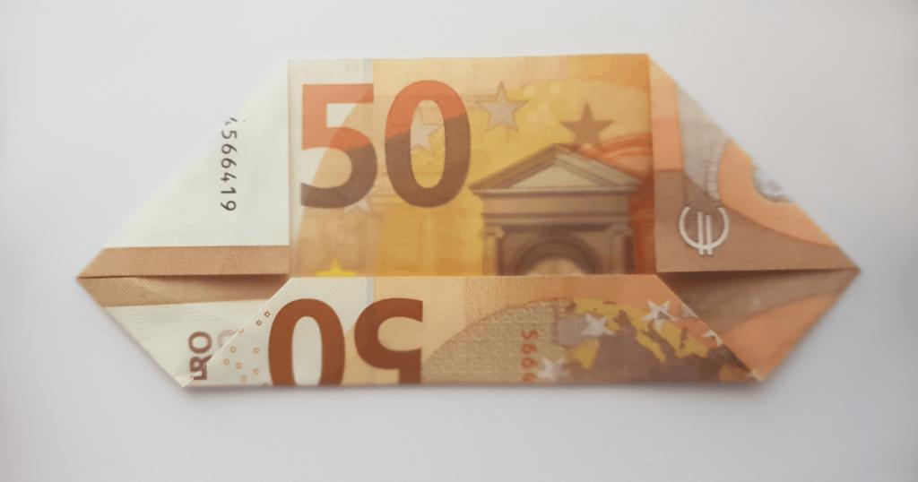 Преклопете јамка на банкноти - чекор 4