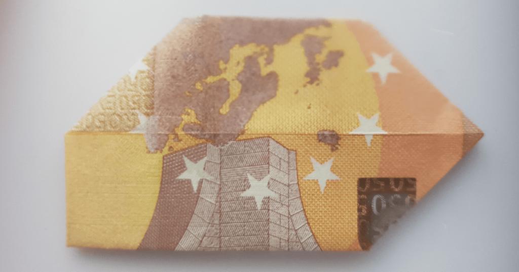 Преклопете јамка на банкноти - чекор 10