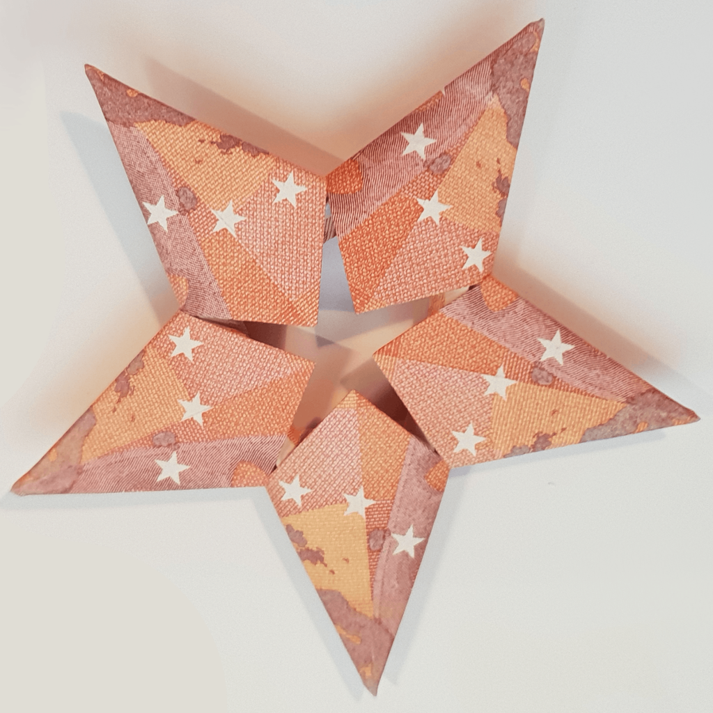 Star of 5 banknotes