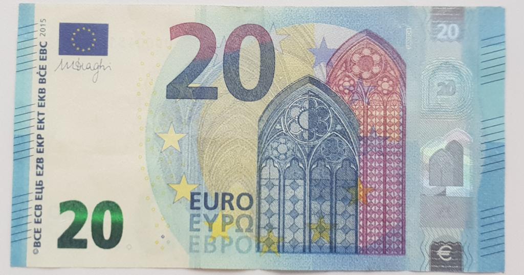 Сгънете шапката на епископа от банкнотата - стъпка 3