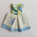 Folding wedding dress from a bank note