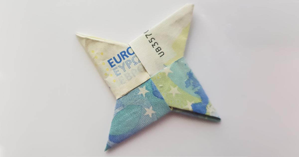 Zložte hviezdu z dvoch bankoviek