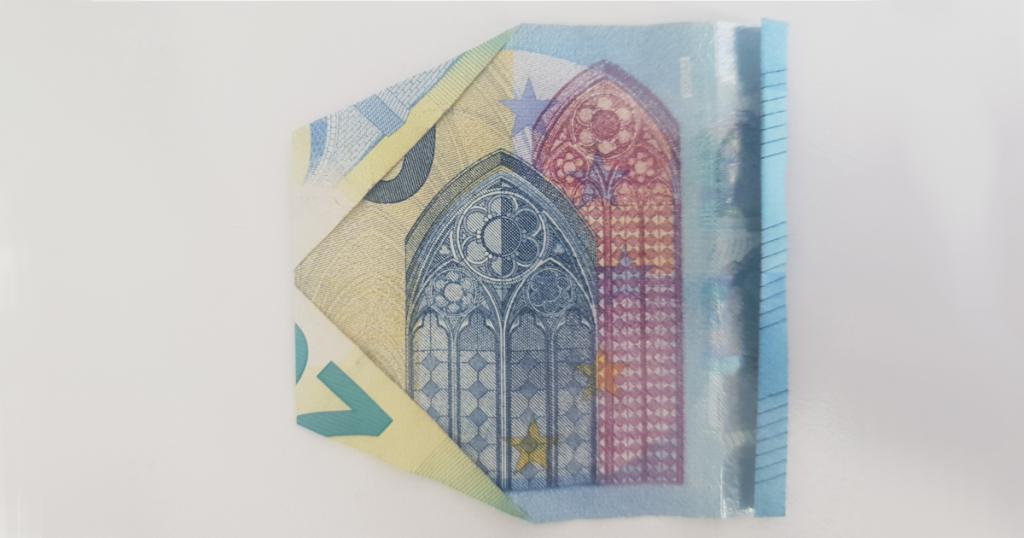 Сгъваем паун от банкнота - стъпка 15