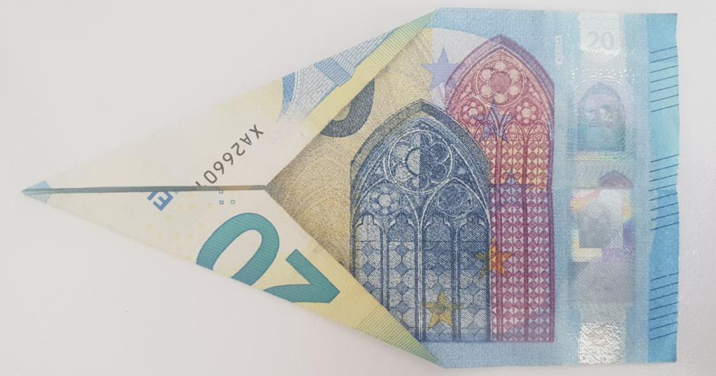 Сгъваем паун от банкнота - стъпка 5