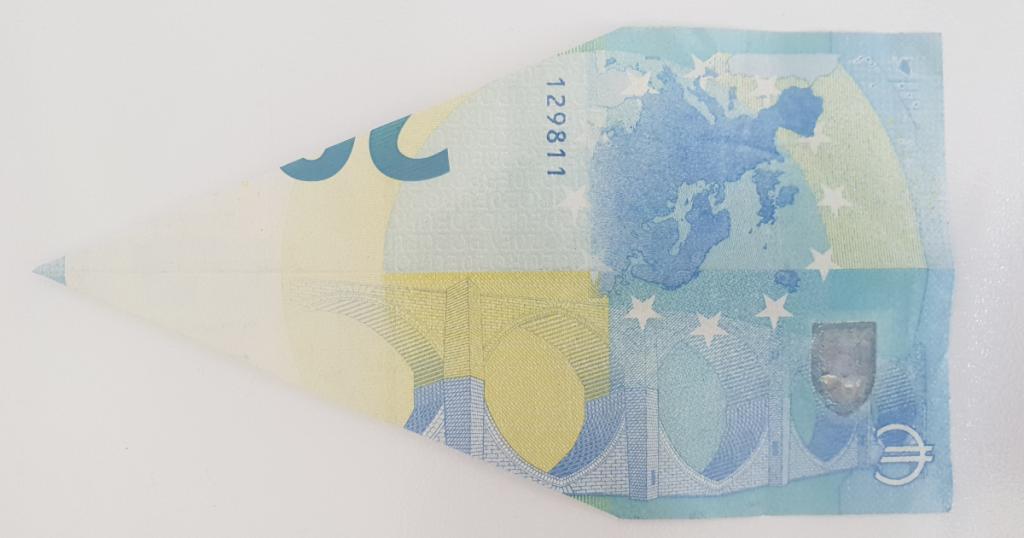 Преклопен паун од банкарските белешки - чекор 6