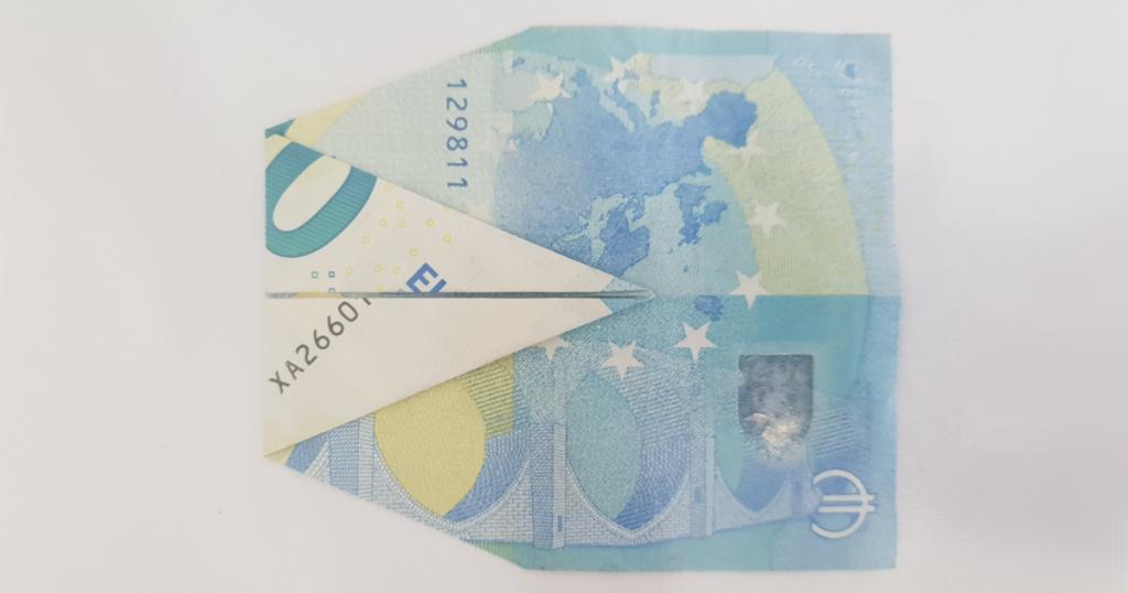 Сгъваем паун от банкнота - стъпка 7