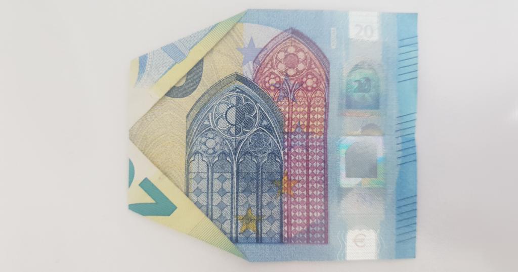 Сгъваем паун от банкнота - стъпка 8