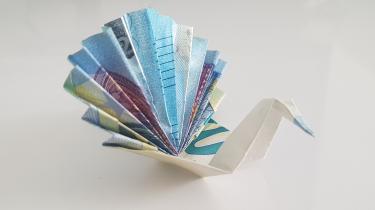 Pfau aus Geldschein gefaltet