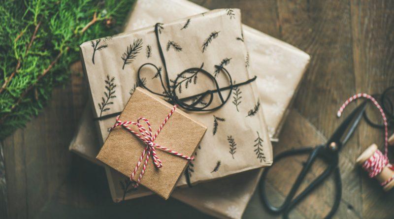 Życzenia świąteczne i prezenty w postaci pieniędzy na Boże Narodzenie